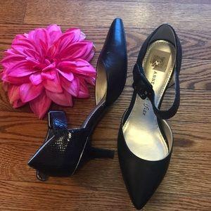 Low heel, black ankle strap 7M